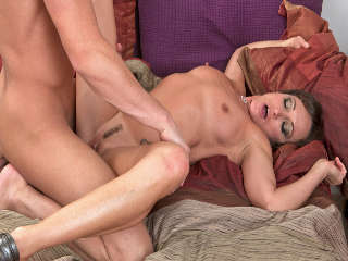 The Cougar Club #04 Michelle Lay & Seth Gamble