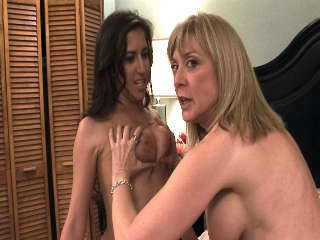 BTS-Lesbian Hitchhiker #04 April O'neil & Nina Hartley