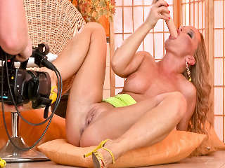 Silvia Dreams About Her Babe Cindy Silvia Saint