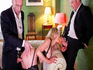 MILF - A Darker Side Peter Oh Tool & Holly Kiss