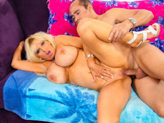 Blacks On Blondes #02 Tia Gunn