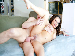 Big Titty Moms Mark Wood & Isabella F