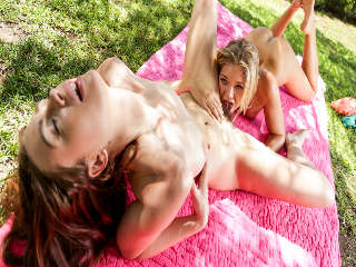 Jessie Loves Girls Jessie Andrews & Jodi Taylor