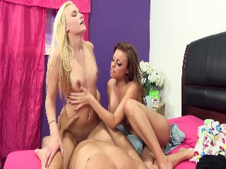 Sexy Jessie Young Training With Britney Amber!