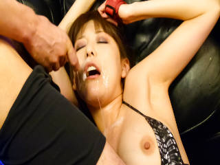 Akari Minamino having her twat toyed to orgasm